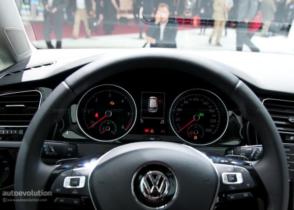 Pary 2012 Volkswagen Golf Viii 07 808