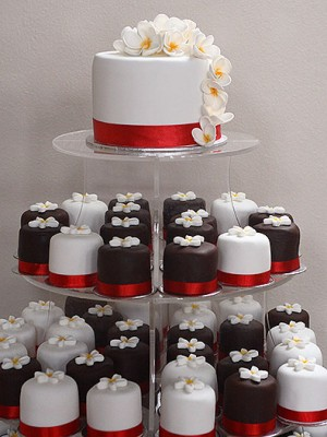 mini_cakes_brown_white_001.jpg