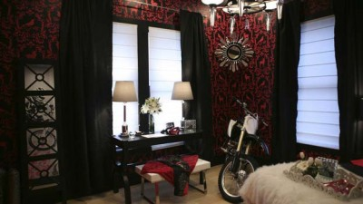 Motorcycle-Hobbies-Theme-for-Woman-Bedroom-Design_2.jpg